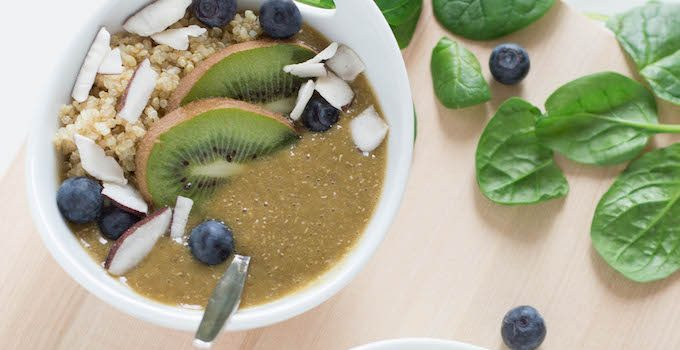 Green Quinoa Smoothie Bowl