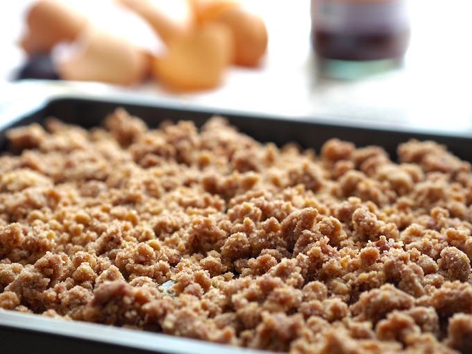 Low-Carb Zwetschgenkuchen mit Streusel